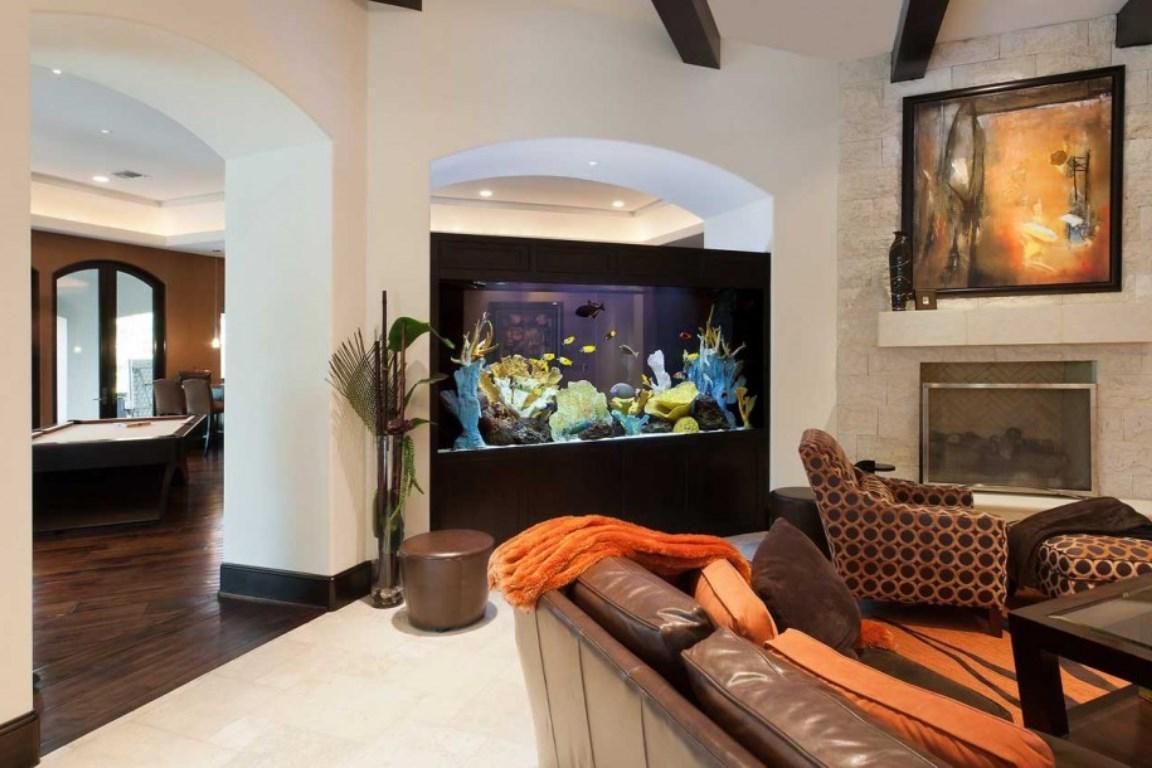 Аквариум в интерьере квартиры или дома