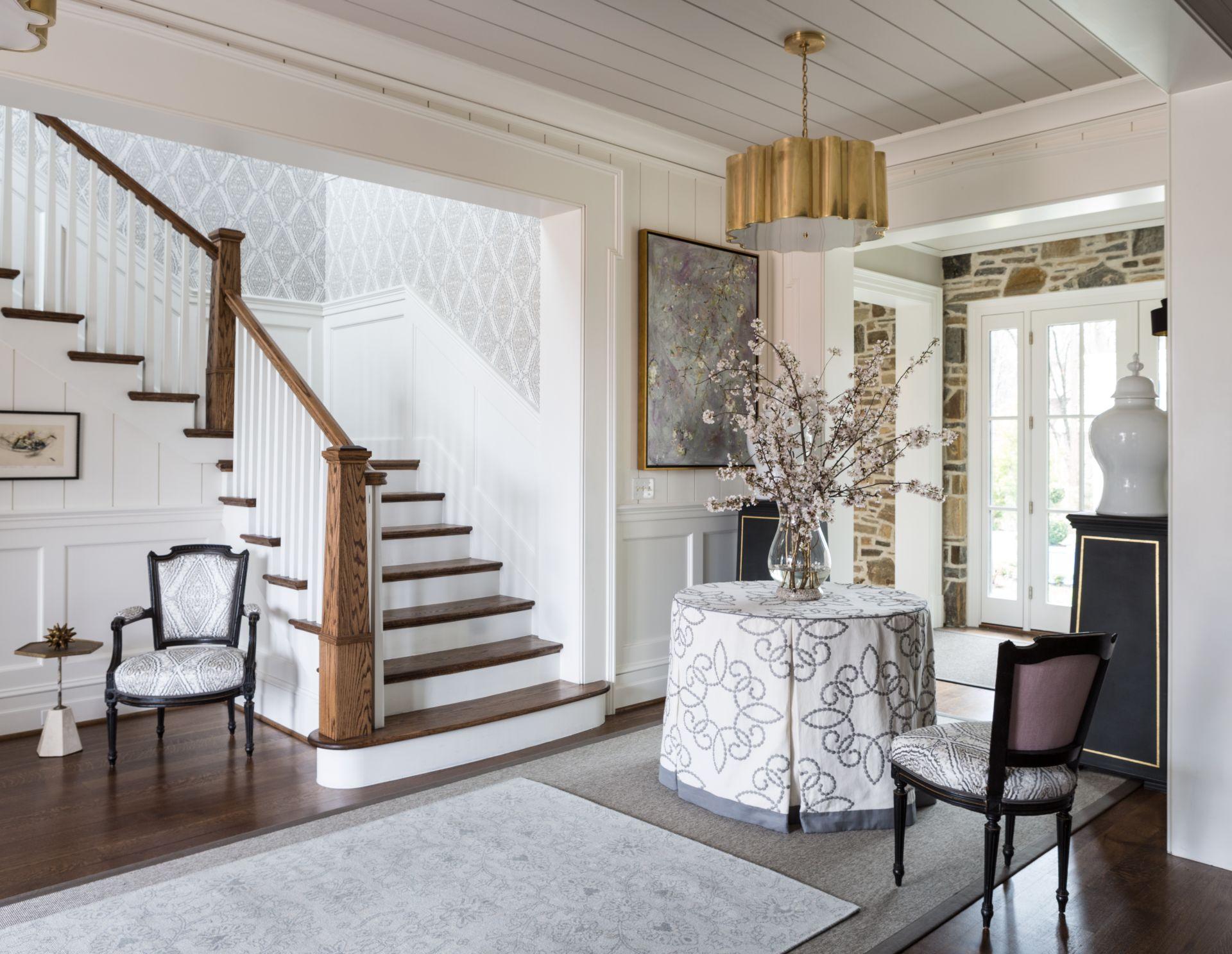 Элитные прихожие – дизайн холла в частном доме