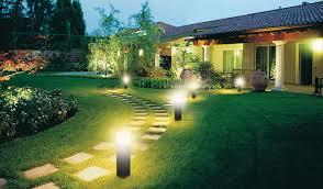 Преимущества ландшафтного освещения