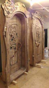 антикварные архитектурные двери